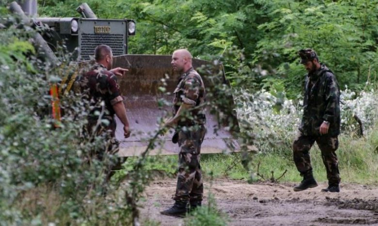 Photo of Hungary began construction of a fence on the border with Serbia